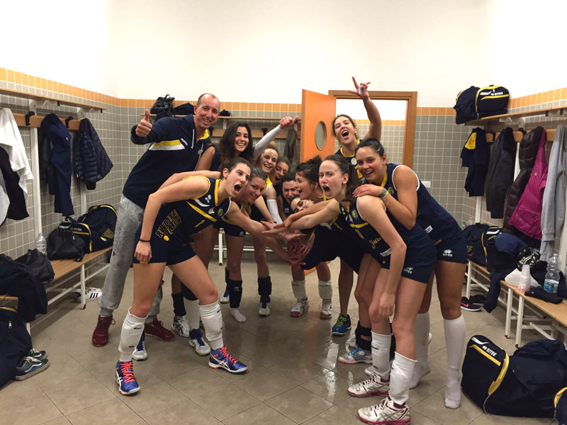Serie D Femminile - festa  promozione spogliatoio